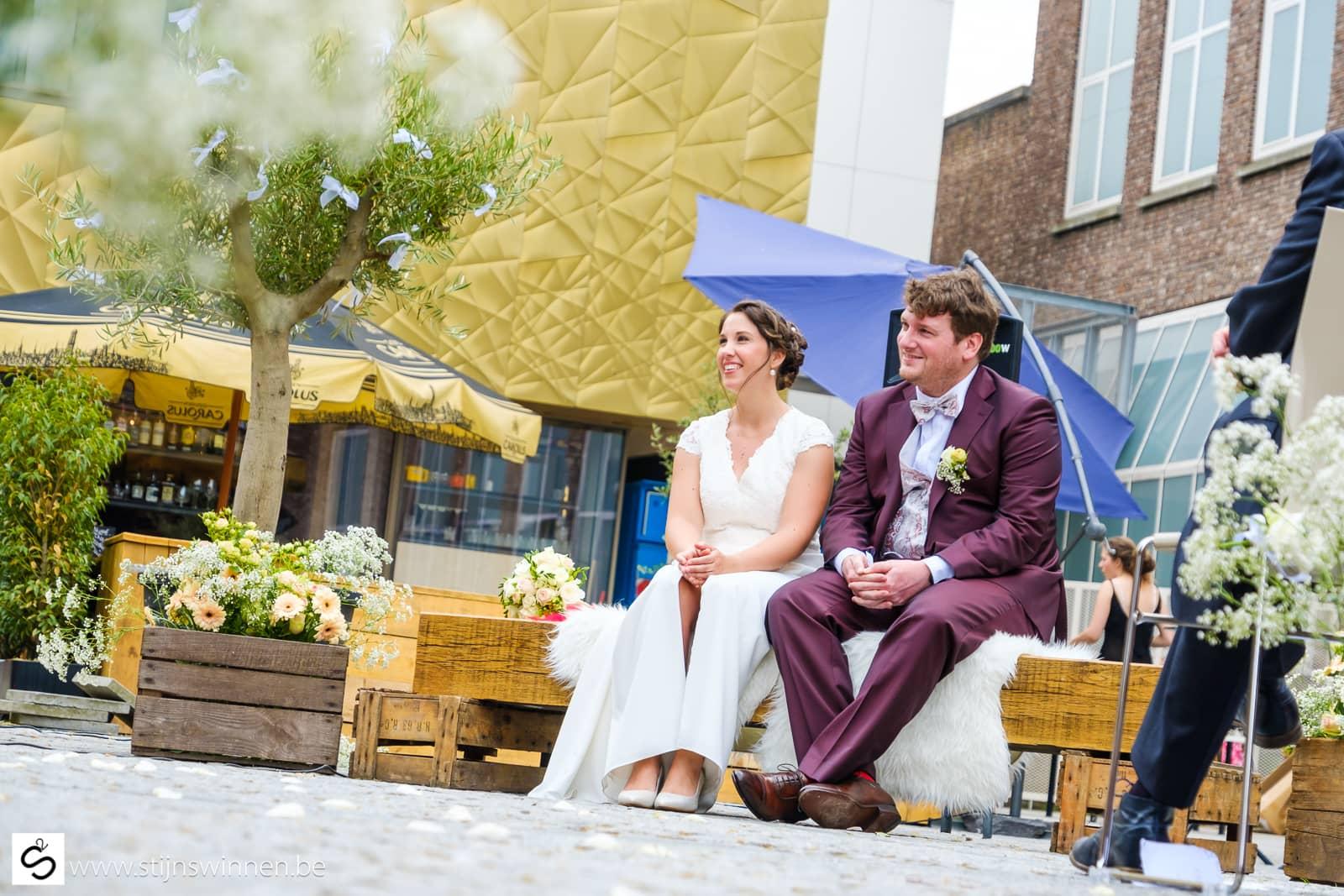 Joke en Pieter huwden in hartje Mechelen